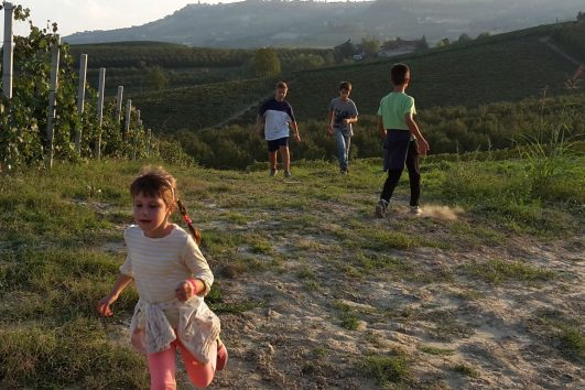 walks in Langhe with children