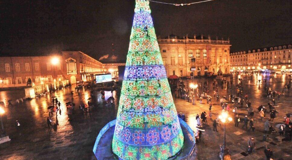 Villaggio Babbo Natale Torino.Torino A Natale Con La Neve Slow Days