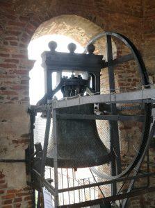 Il campanile anctico a La Morra