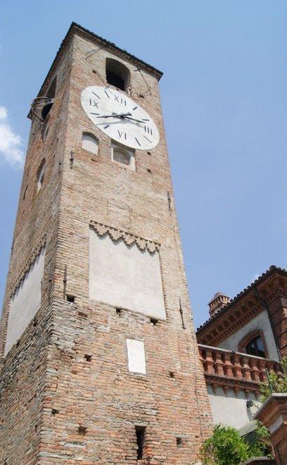 Neive e la Torre campanaria