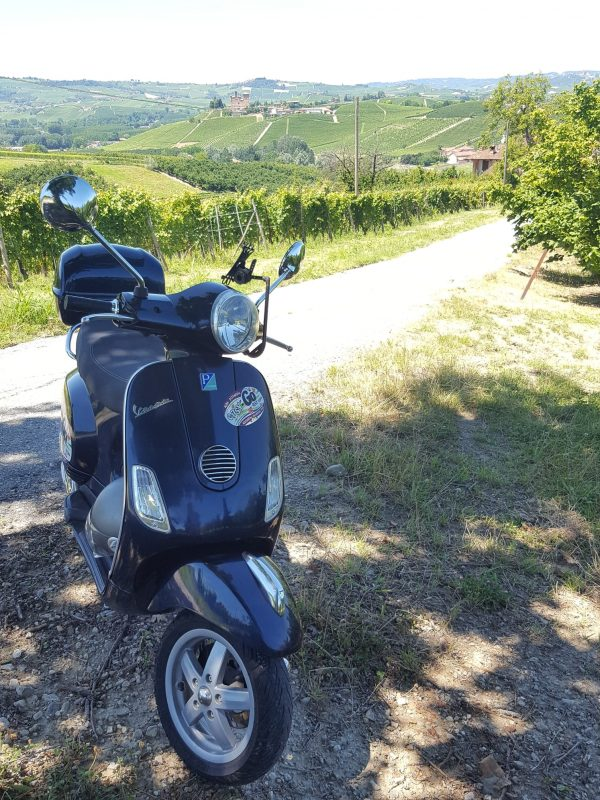 Vespa tour in the Langhe