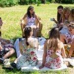 Addio al nubilato nella natura: yoga, picnic e giochi Image